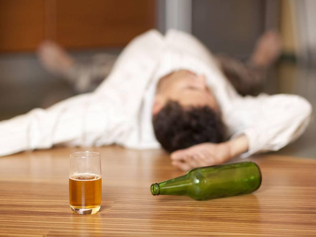Часто напивается сын